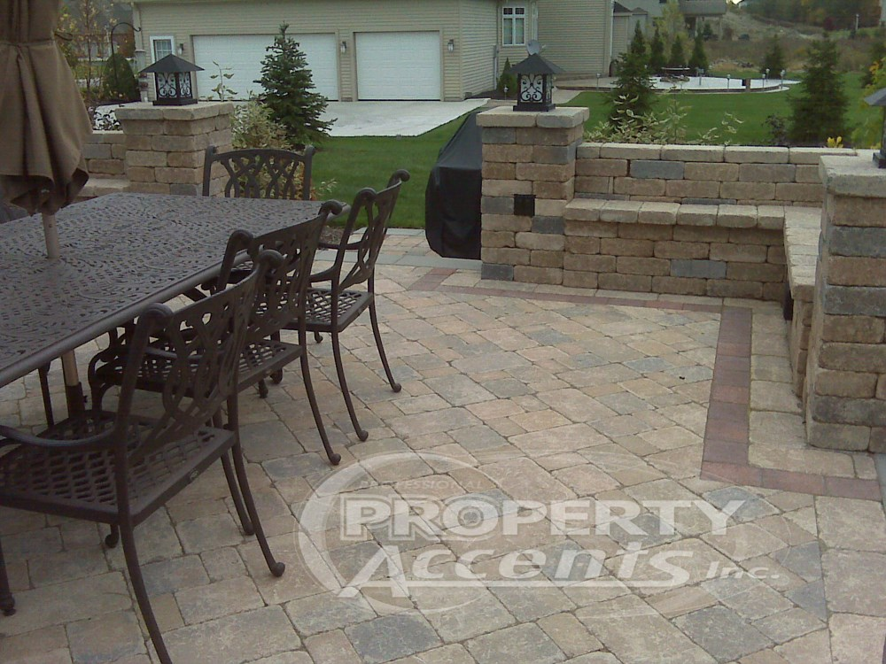 Elevated Patio With Stone Walls. Photo 5